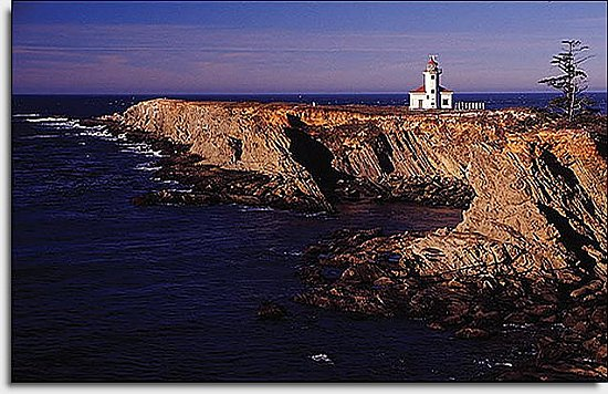 Lighthouse on the Cliff Mural UMB91018 by Blonder