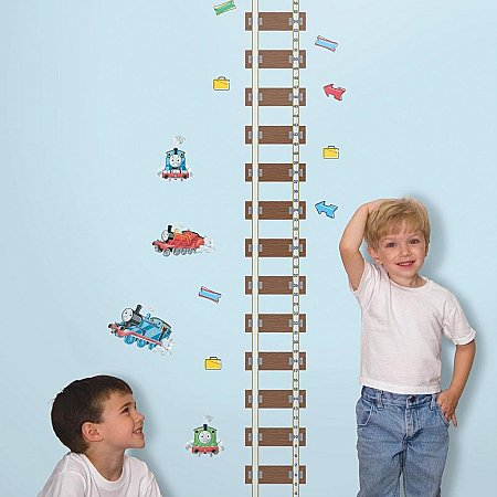 THOMAS & FRIENDS PEEL & STICK GROWTH CHART